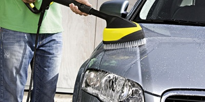 lavaggio auto con idropulitrice karcher